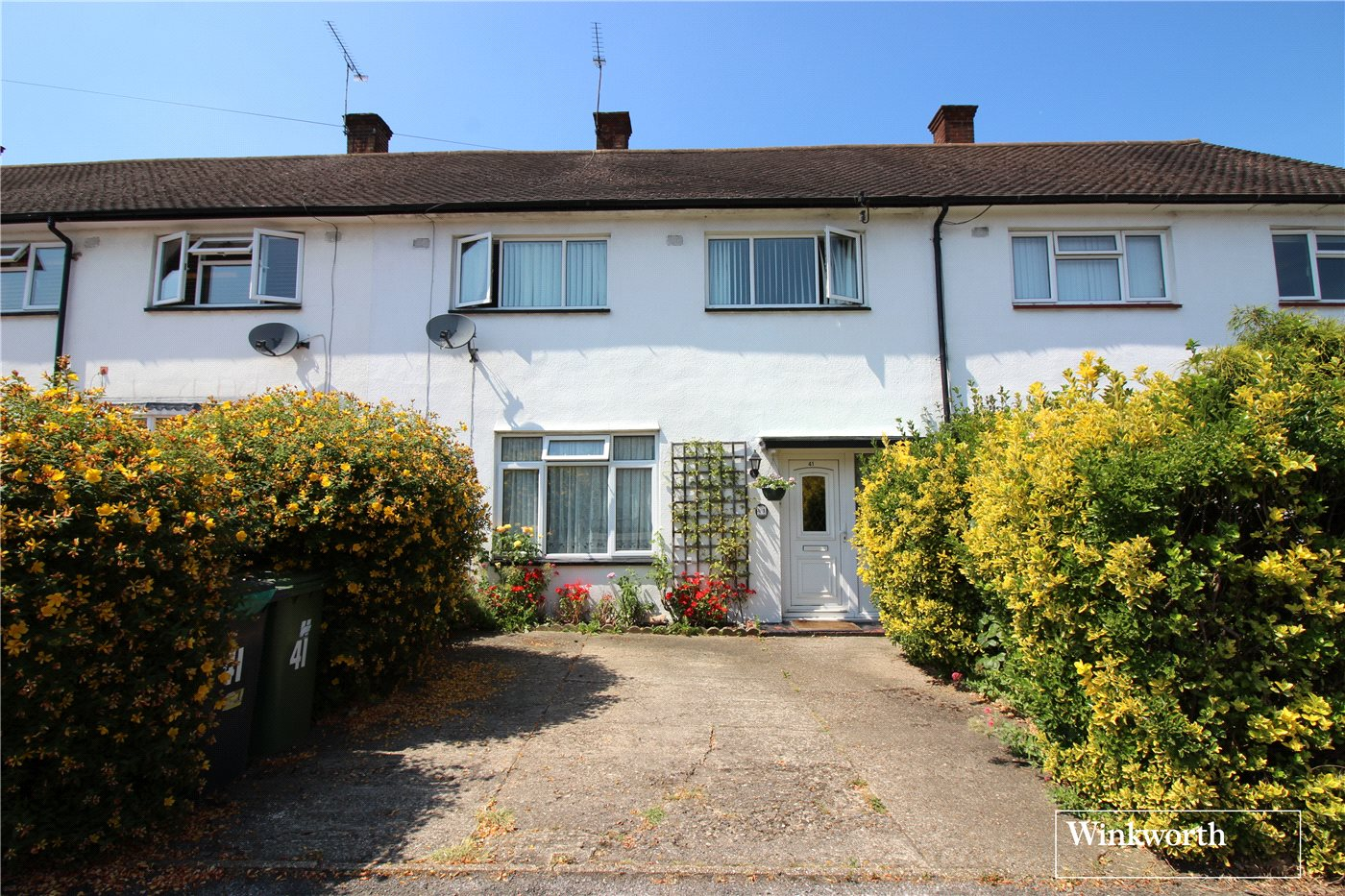 3 Bedrooms Terraced House for sale in Ashley Drive, Borehamwood, Hertfordshire, WD6