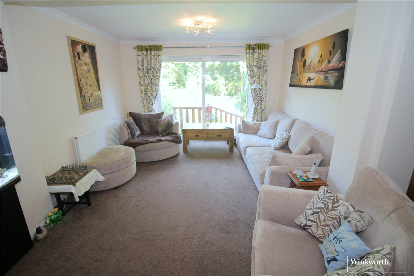 3 Bedrooms Semi Detached House for sale in Hillside Avenue, Borehamwood, Hertfordshire, WD6