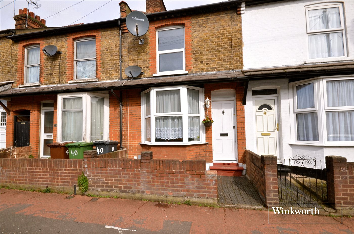 2 Bedrooms Terraced House for sale in Malden Road, Borehamwood, Hertfordshire, WD6