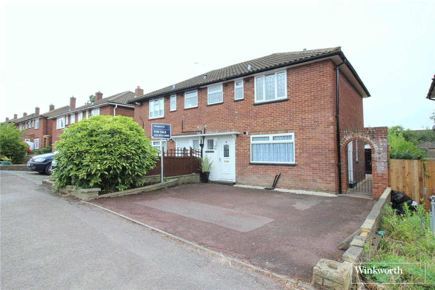 3 Bedrooms House for sale in Alban Crescent, Borehamwood, Hertfordshire, WD6