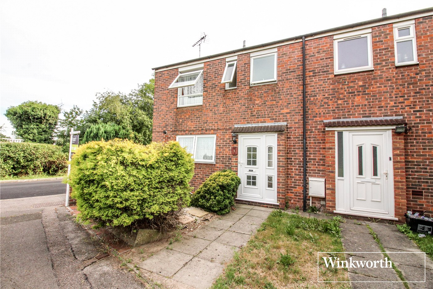 2 Bedrooms End Of Terrace House for sale in Dales Path, Farriers Way, Borehamwood, Hertfordshire, WD6
