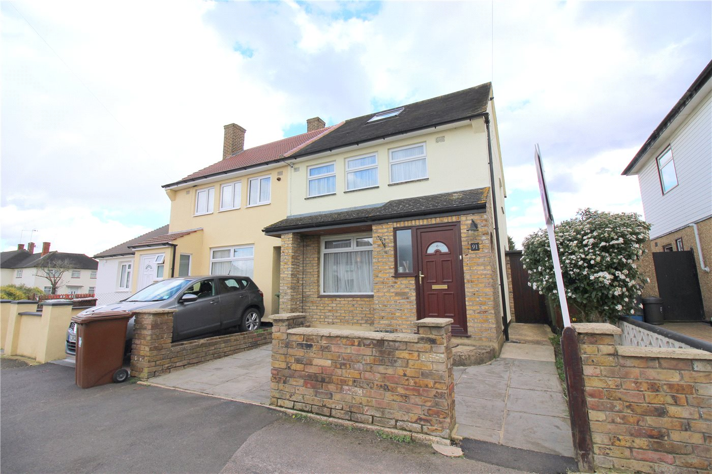 4 Bedrooms Semi Detached House for sale in Rossington Avenue, Borehamwood, Hertfordshire, WD6