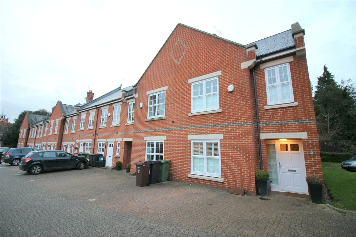 3 Bedrooms End Of Terrace House for sale in Beningfield Drive, London Colney, St. Albans, Hertfordshire, AL2
