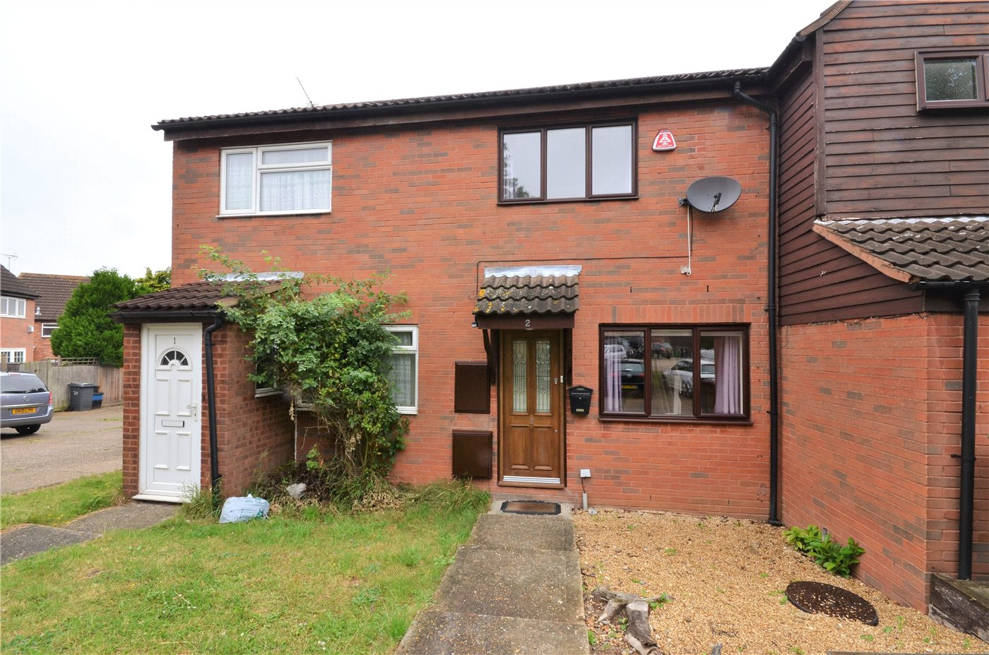 2 Bedrooms Terraced House for sale in Fox Close, Elstree, Borehamwood, Hertfordshire, WD6