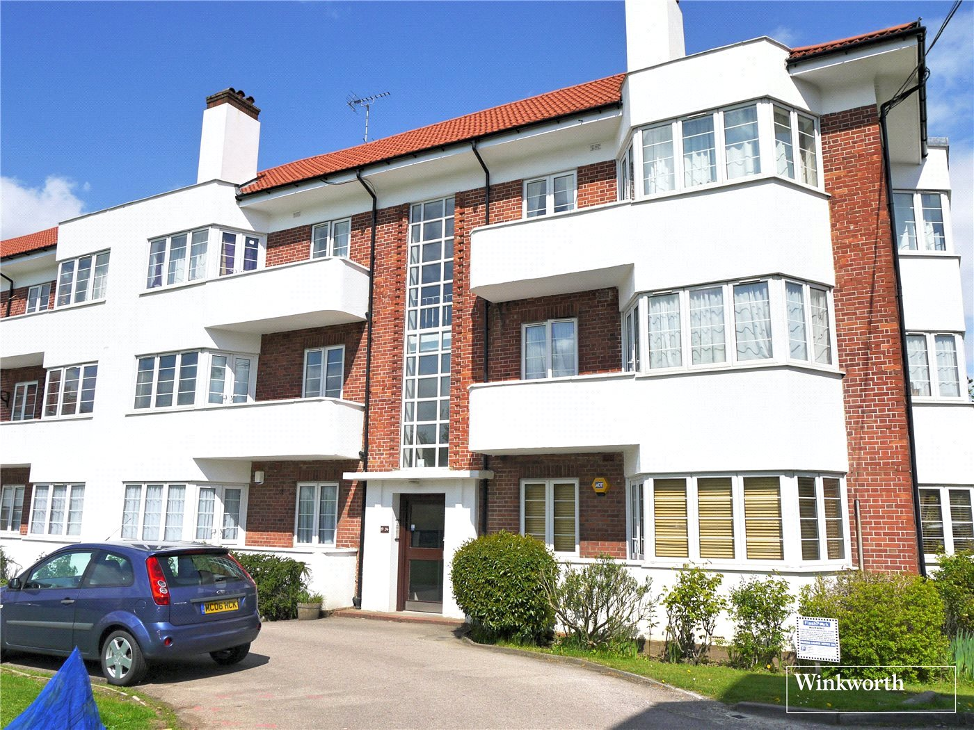 2 Bedrooms Flat for sale in Hollywood Court, Deacons Hill Road, Elstree, Hertfordshire, WD6