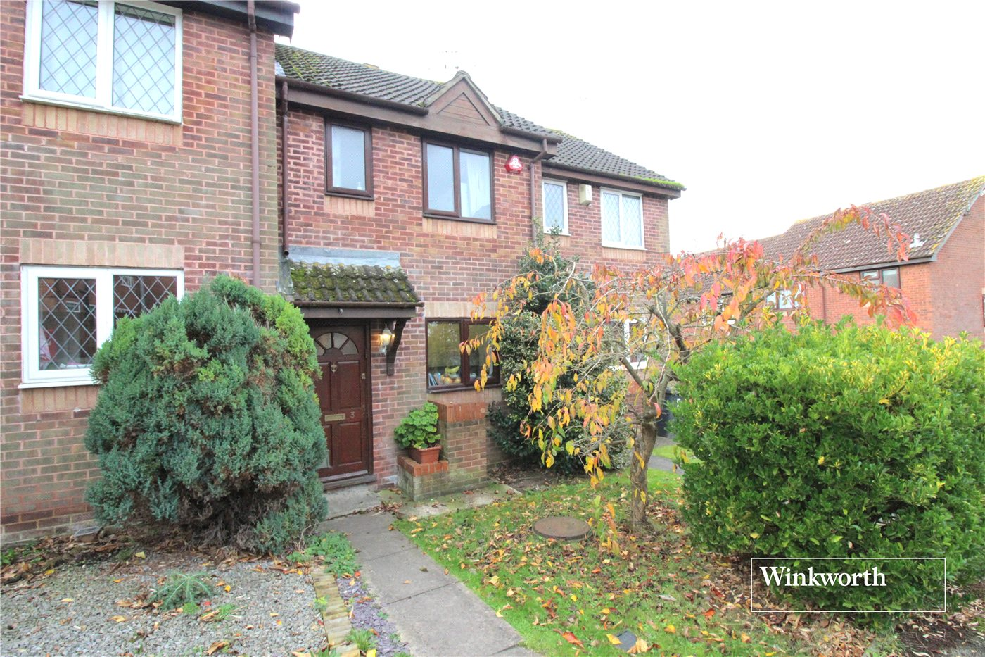 2 Bedrooms Terraced House for sale in Sawtry Way, Borehamwood, Hertfordshire, WD6