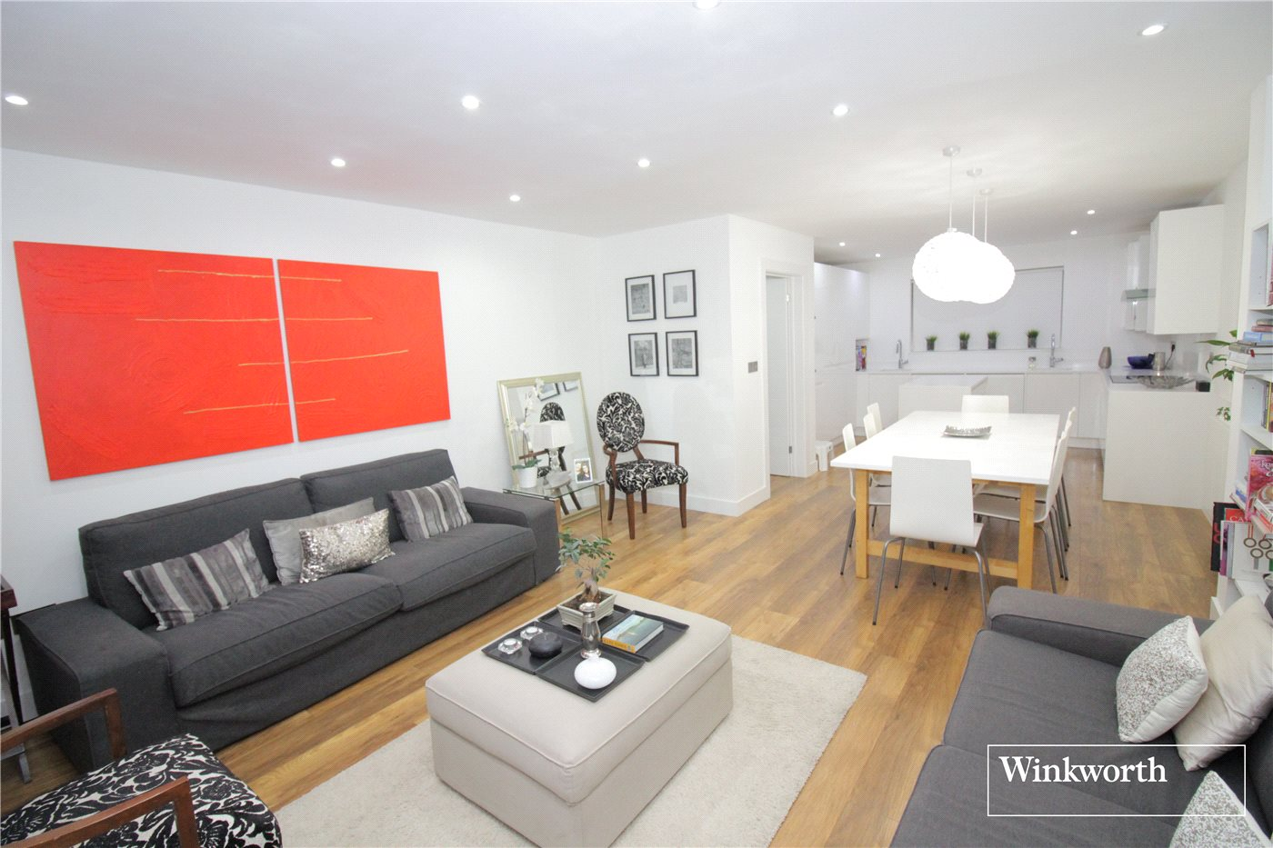 4 Bedrooms Semi Detached House for sale in Beechfield Close, Borehamwood, Hertfordshire, WD6
