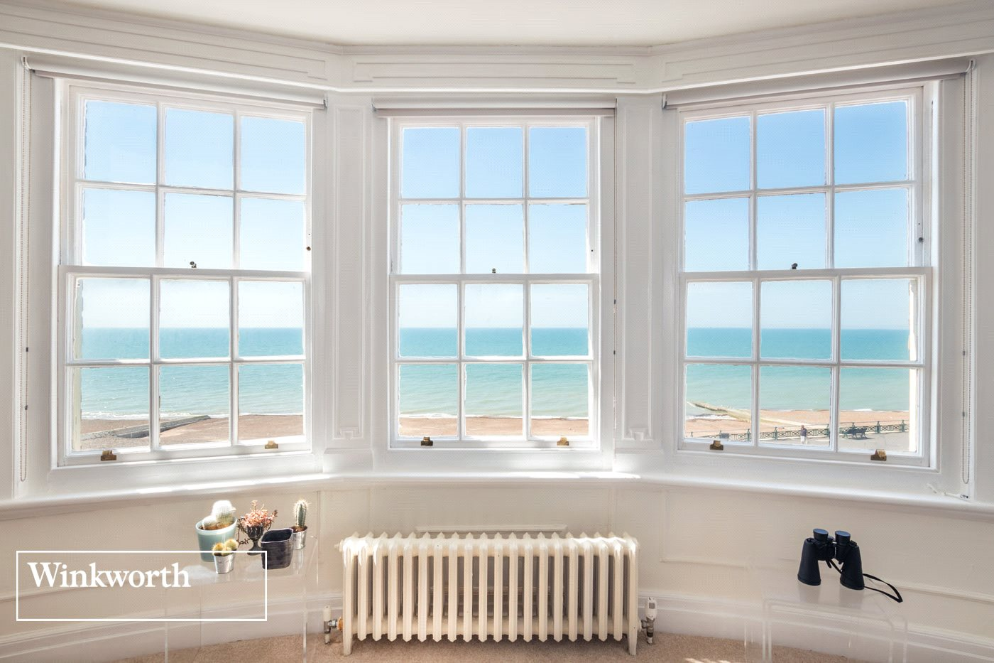 3 Bedrooms Flat for sale in Courtenay Gate, Hove, East Sussex, BN3
