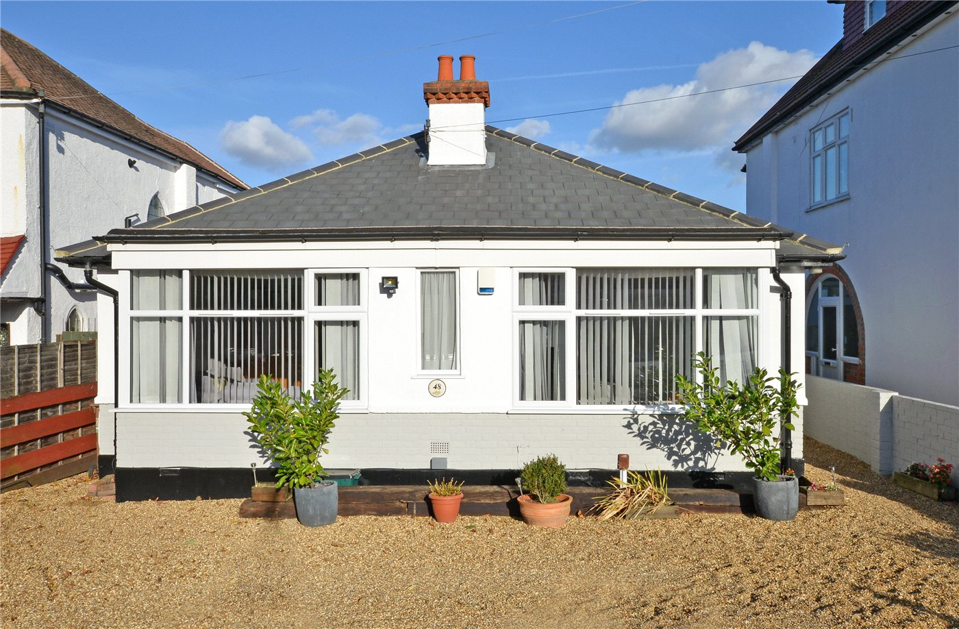 3 Bedrooms Detached Bungalow for sale in Langley Avenue, Worcester Park, Surrey, KT4