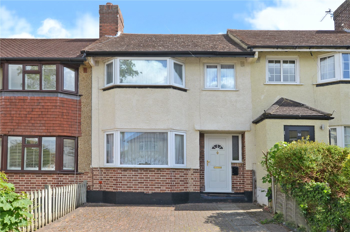 3 Bedrooms Terraced House for sale in Delcombe Avenue, Worcester Park, KT4