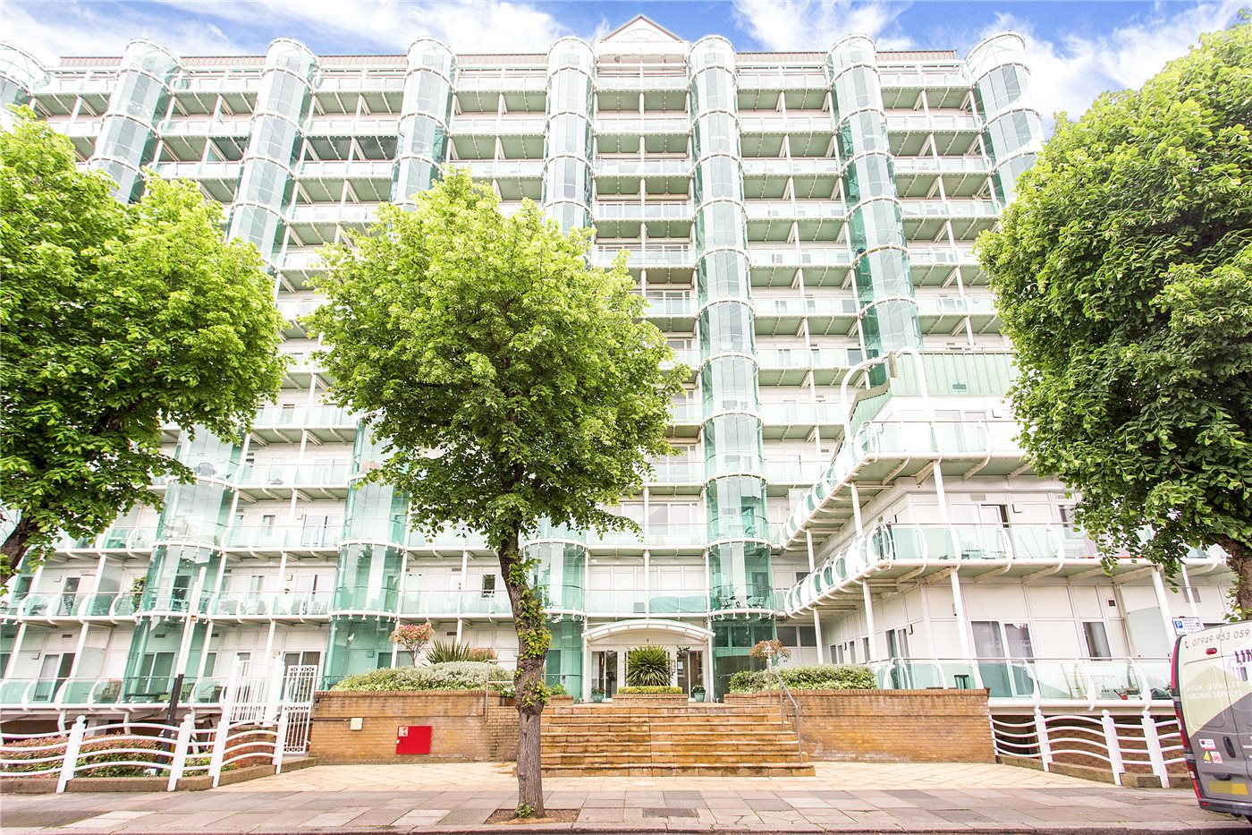 2 Bedrooms Flat for sale in Tower Point, 52 Sydney Road, Enfield, EN2