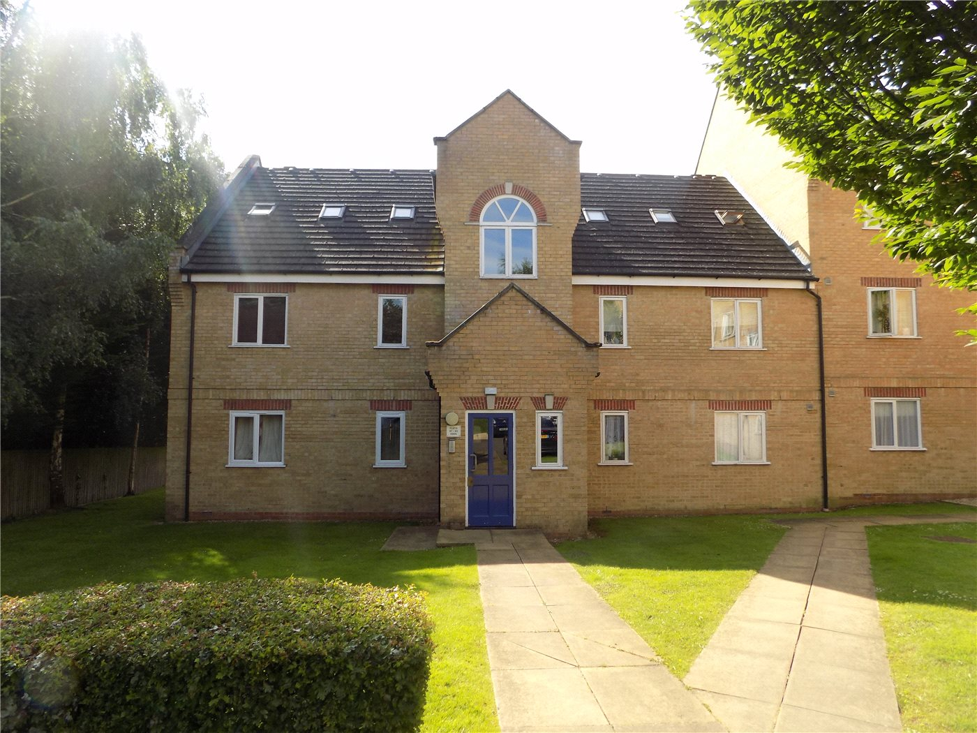 2 Bedrooms Flat for sale in Kirkland Drive, Enfield, EN2
