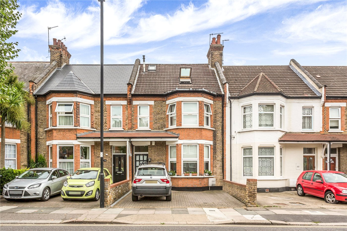 5 Bedrooms Terraced House for sale in St. Marks Road, Enfield, EN1