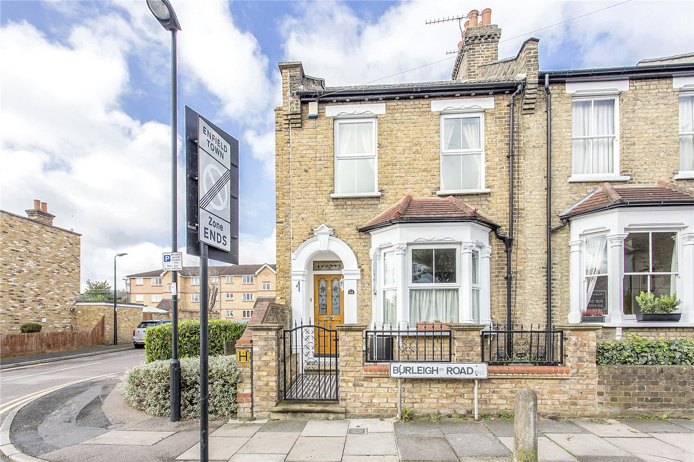 4 Bedrooms End Of Terrace House for sale in Burleigh Road, Enfield, EN1