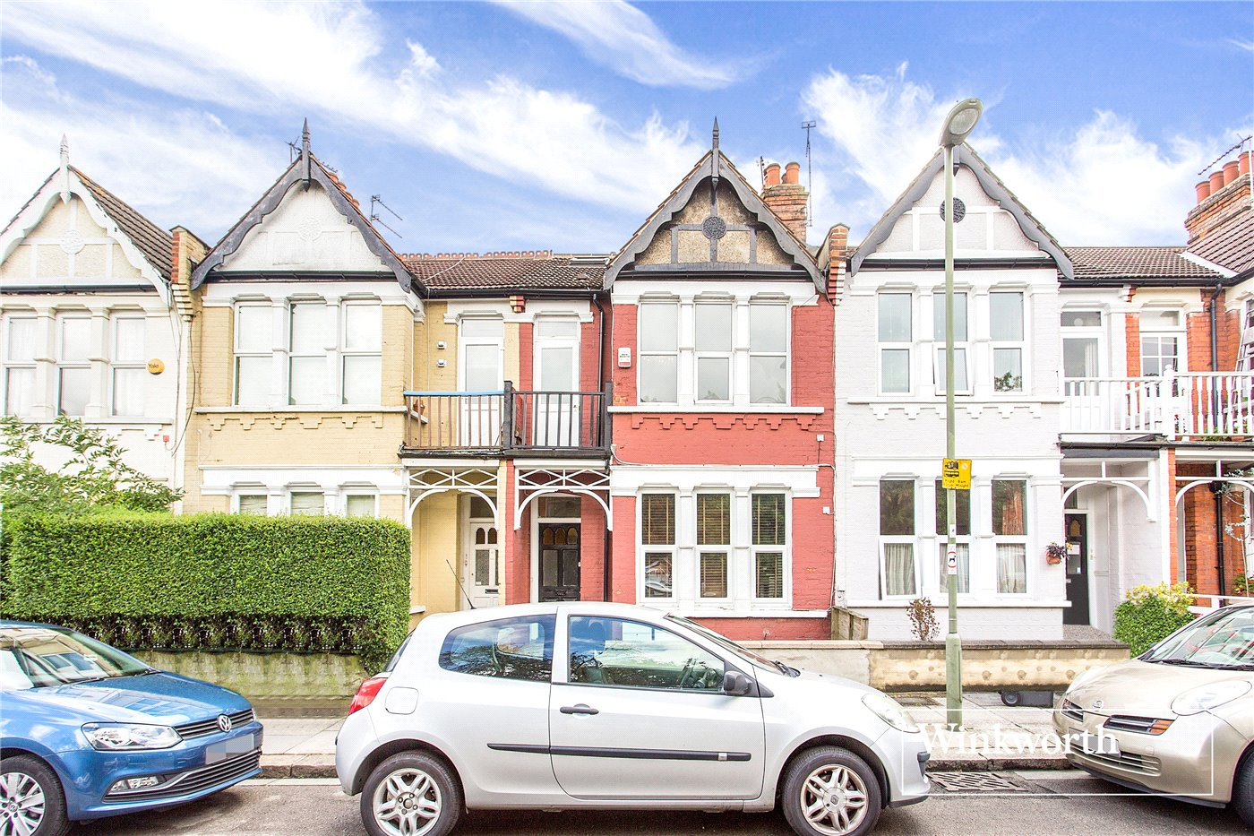 3 Bedrooms Flat for sale in Squires Lane, Finchley, London, N3