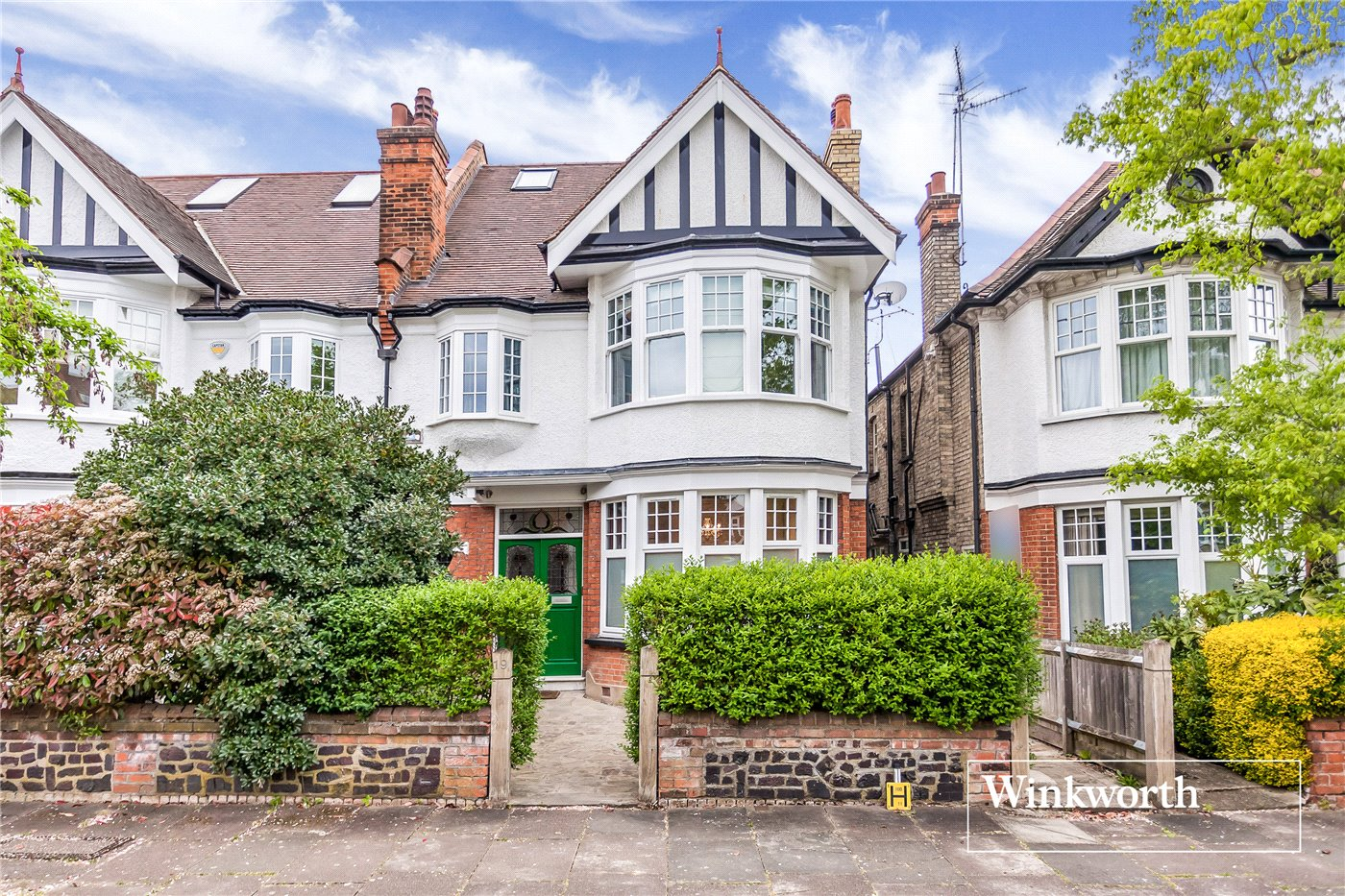 2 Bedrooms Flat for sale in Clifton Avenue, Finchley, London, N3