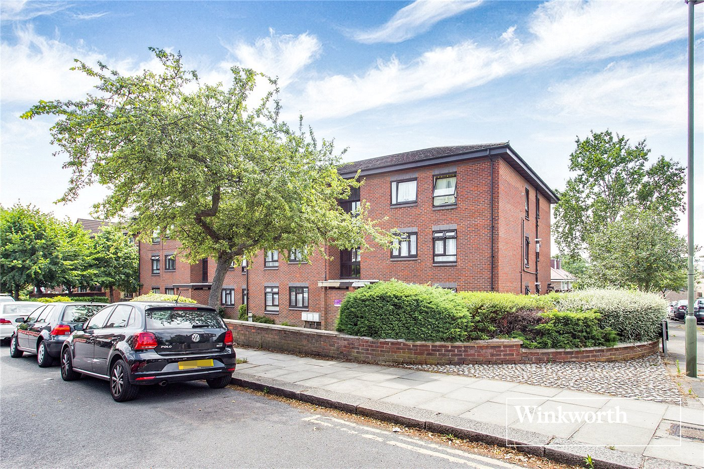 3 Bedrooms Flat for sale in Whitefriars Court, 108 Friern Park, North Finchley, London, N12