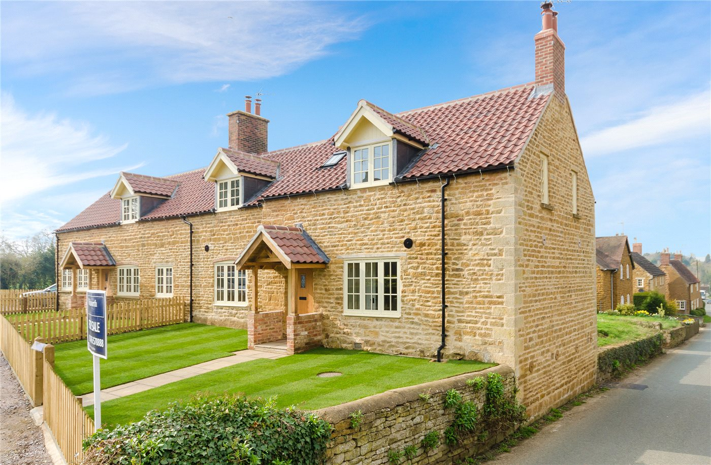 3 Bedrooms House for sale in Main Street, Denton, Grantham, NG32