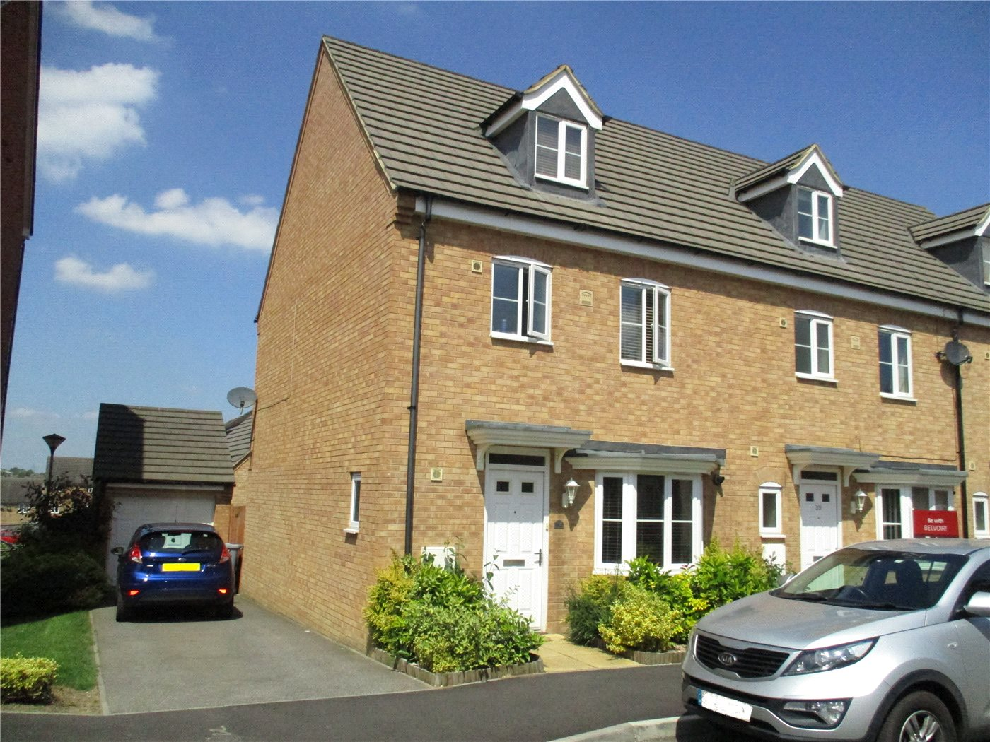 4 Bedrooms End Of Terrace House for sale in Scarsdale Way, Grantham, NG31