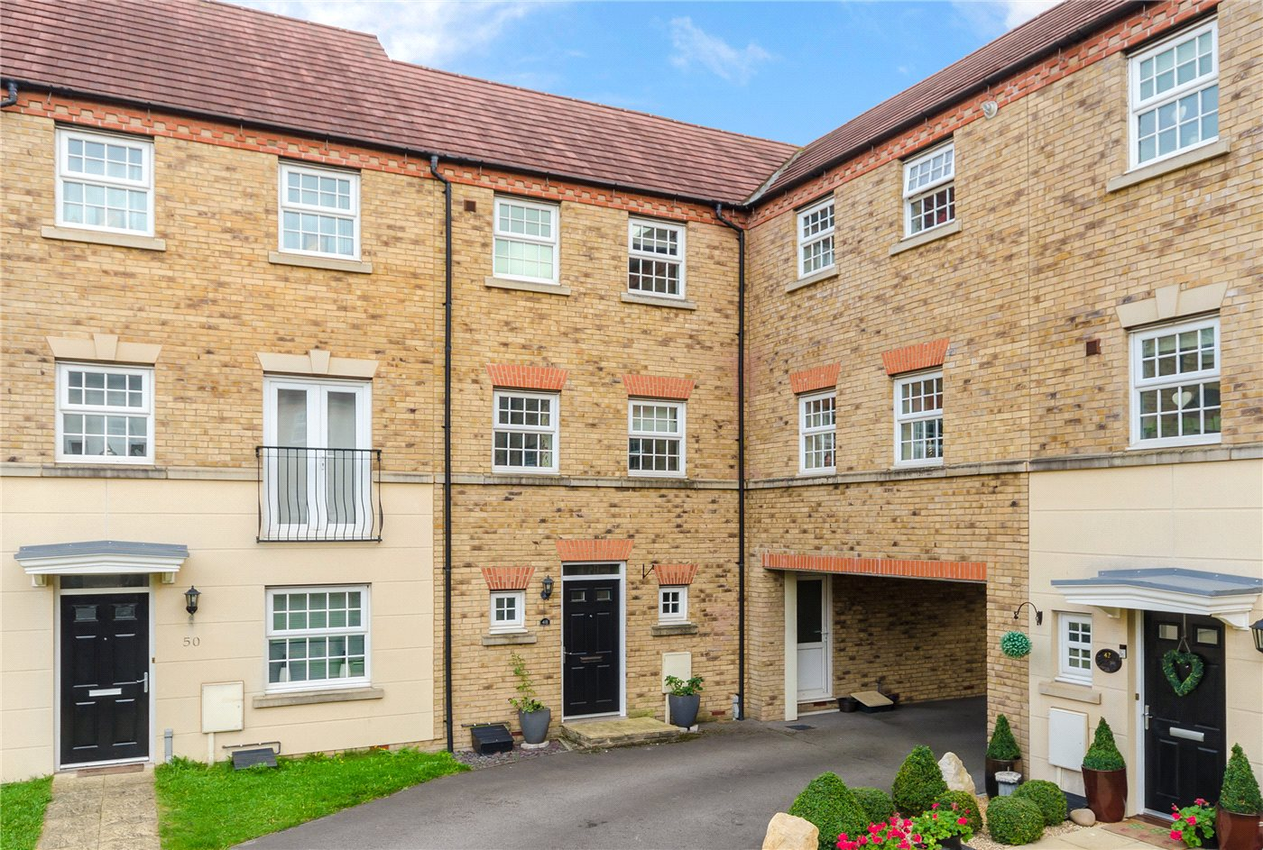 2 Bedrooms Town House for sale in Squirrel Chase, Witham St. Hughs, Lincoln, Lincolnshire, LN6