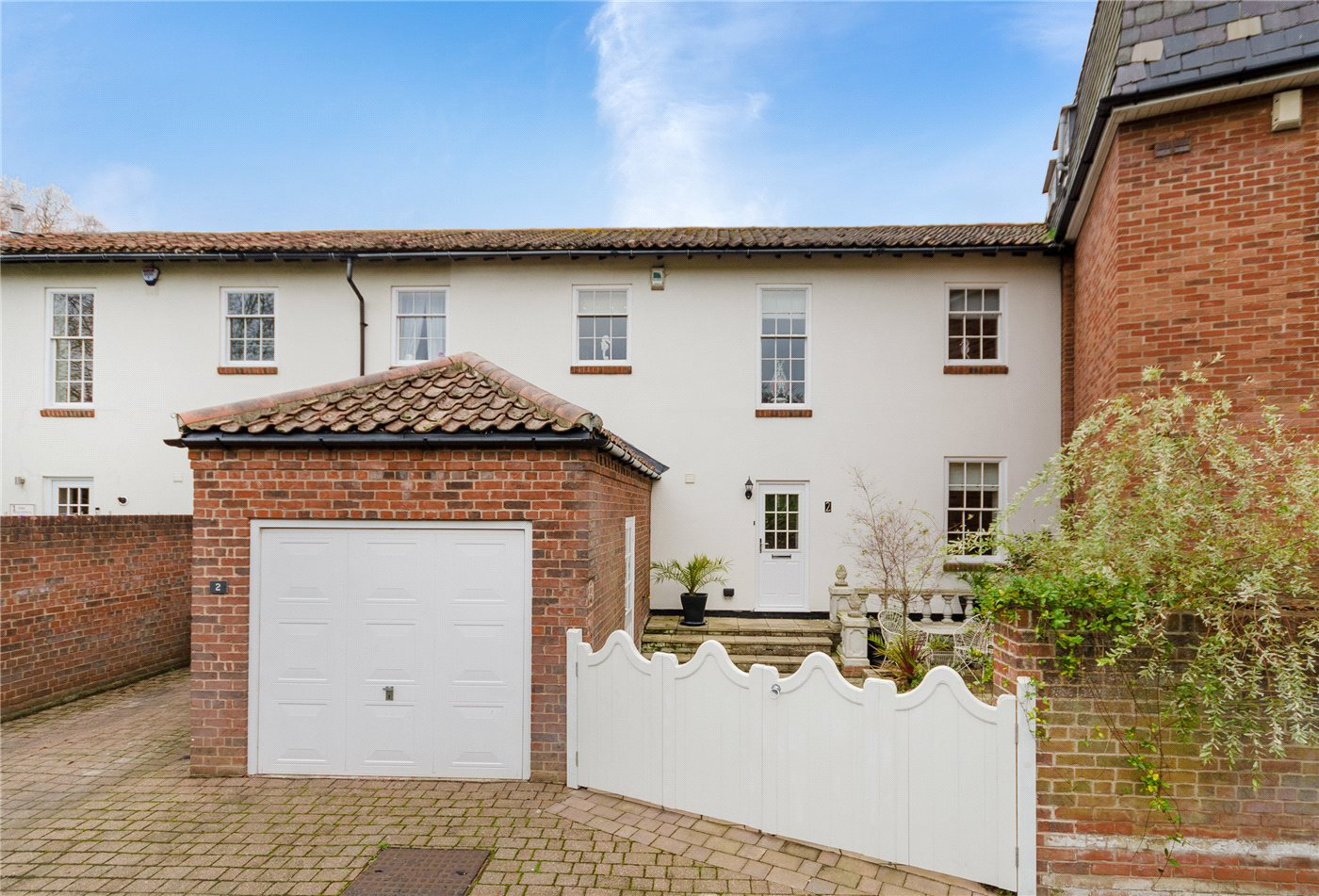 3 Bedrooms Town House for sale in Mill Drive, Grantham, NG31