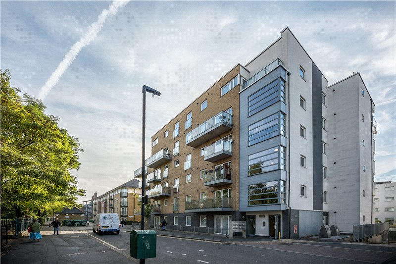 2 Bedrooms Flat for sale in Ashton House, 53 Cottington Street, Kennington, London, SE11