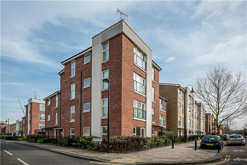 2 Bedrooms Flat for sale in Burcher Gale Grove, Peckham, London, SE15