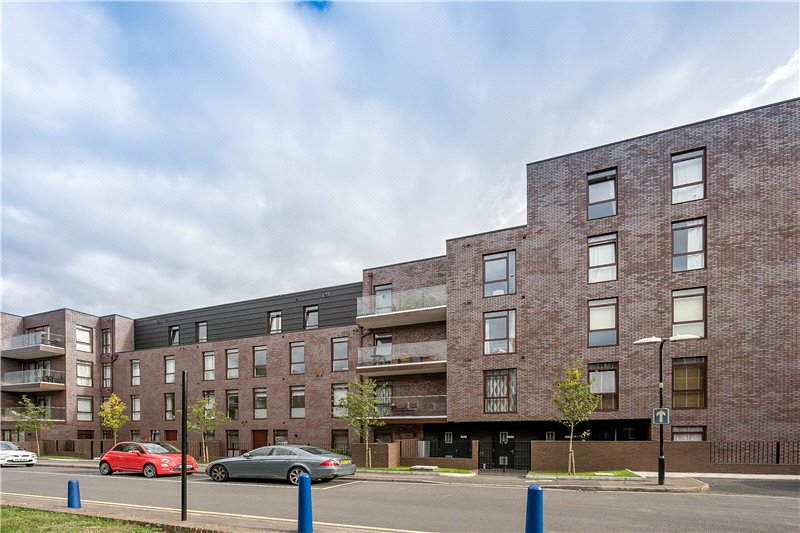 3 Bedrooms Flat for sale in Gibson Road, Kennington, London, SE11