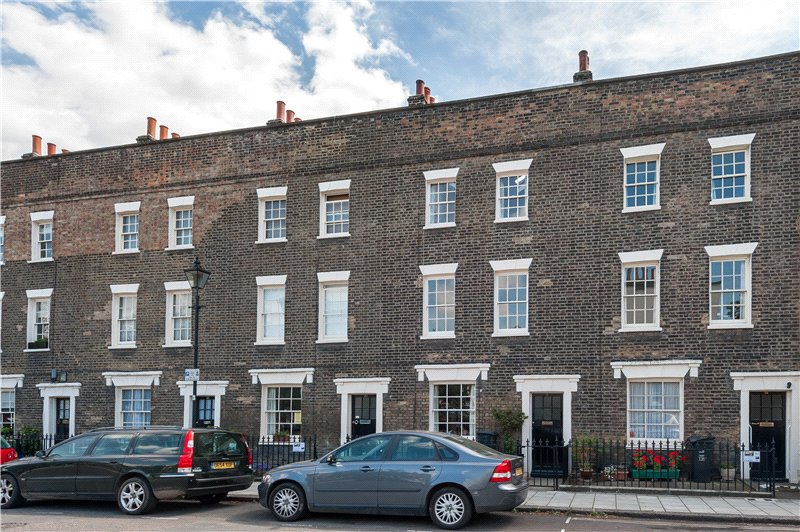 3 Bedrooms Terraced House for sale in Walcot Square, Kennington, London, SE11