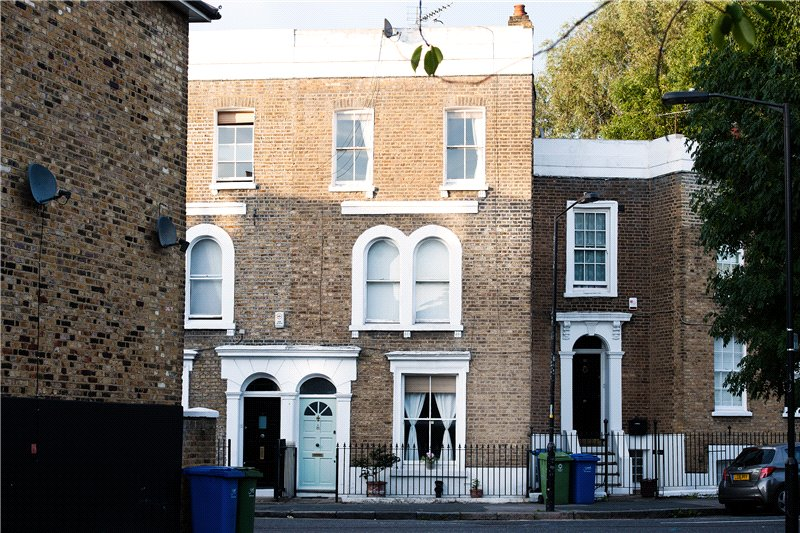 3 Bedrooms Terraced House for sale in Chapter Road, Kennington, London, SE17