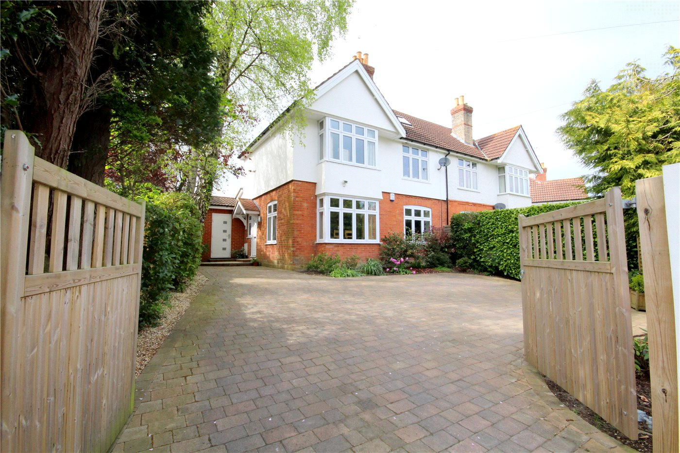 4 Bedrooms Semi Detached House for sale in Mayfield Avenue, Lower Parkstone, Poole, BH14
