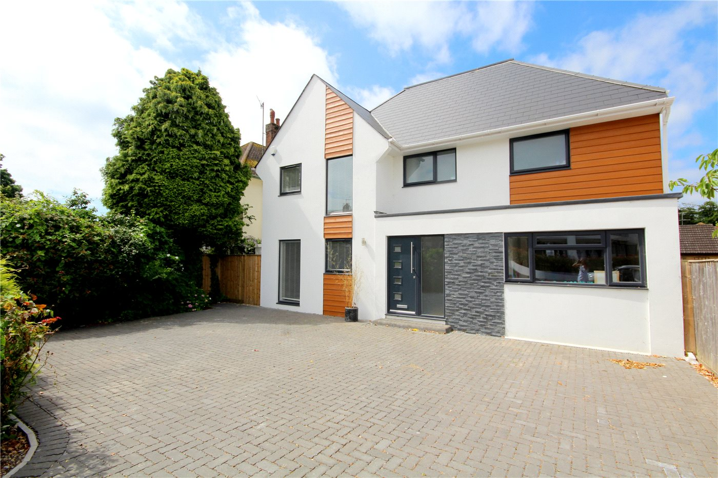 4 Bedrooms Detached House for sale in Sandbanks Road, Lilliput, Poole, BH14