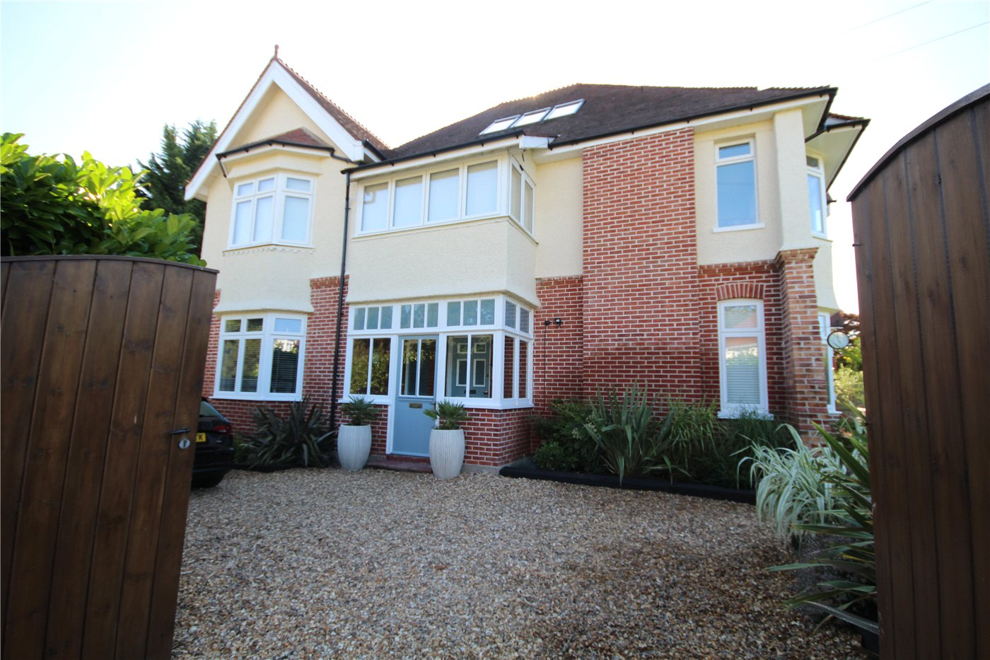 3 Bedrooms Flat for sale in Kings Crescent, Lower Parkstone, Poole, Dorset, BH14