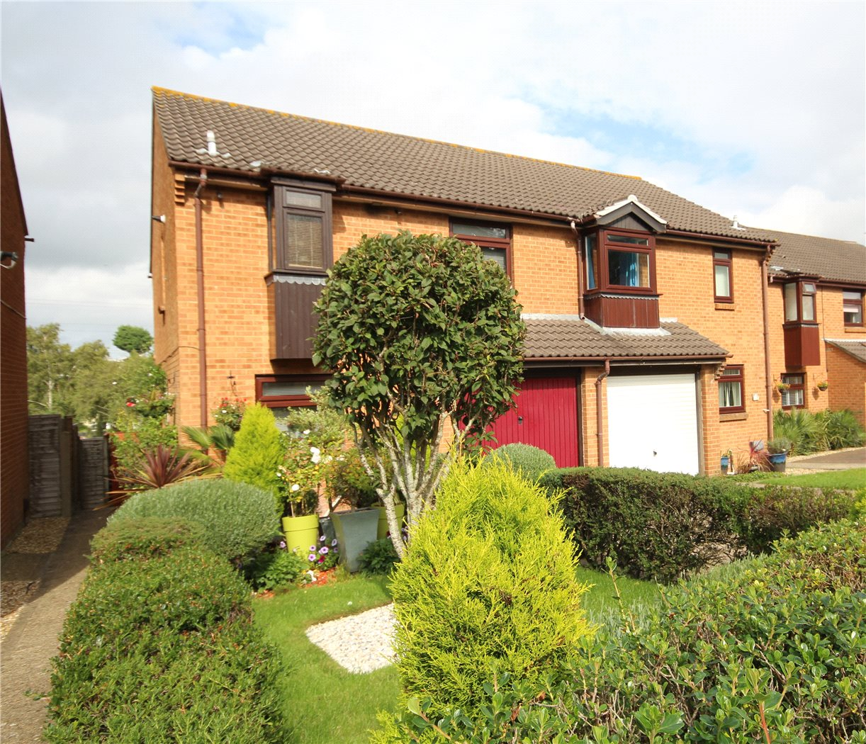 3 Bedrooms Semi Detached House for sale in Tollard Close, Parkstone, Poole, Dorset, BH12