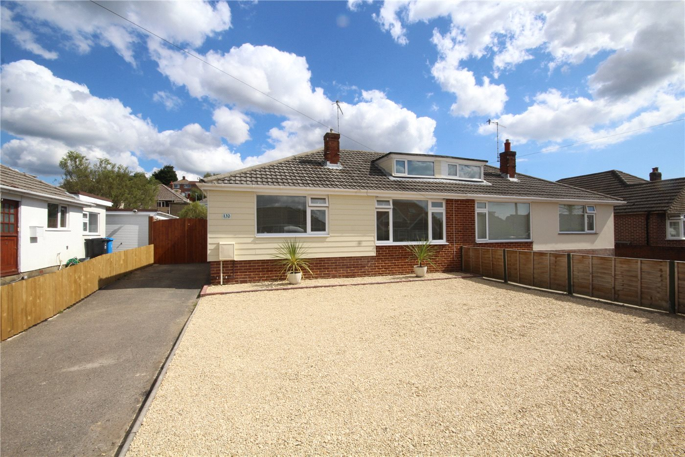 3 Bedrooms Bungalow for sale in Foxholes Road, Poole, Dorset, BH15