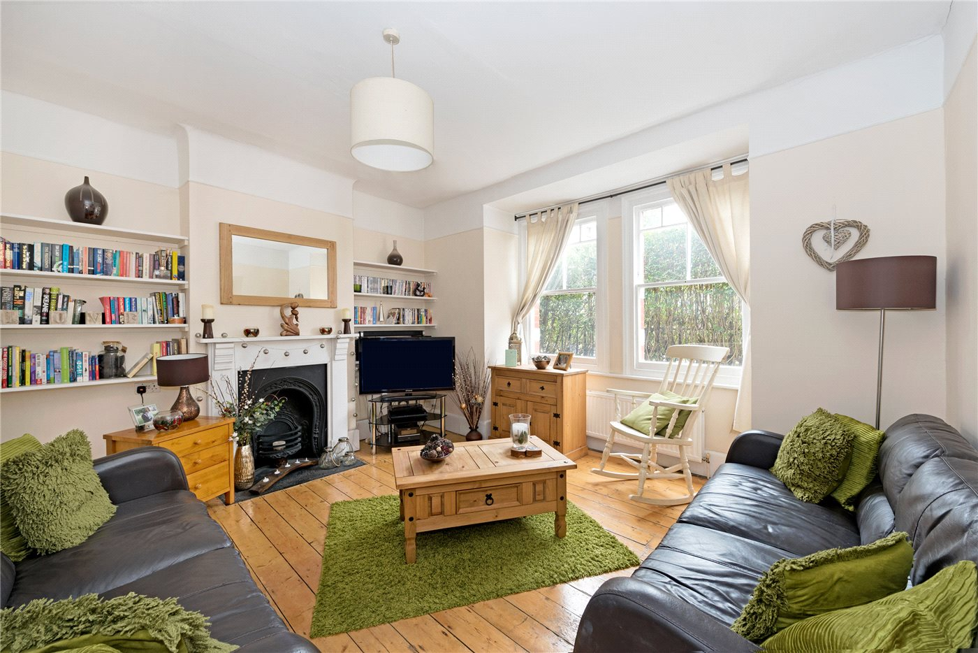 2 Bedrooms Maisonette Flat for sale in Franciscan Road, London, SW17