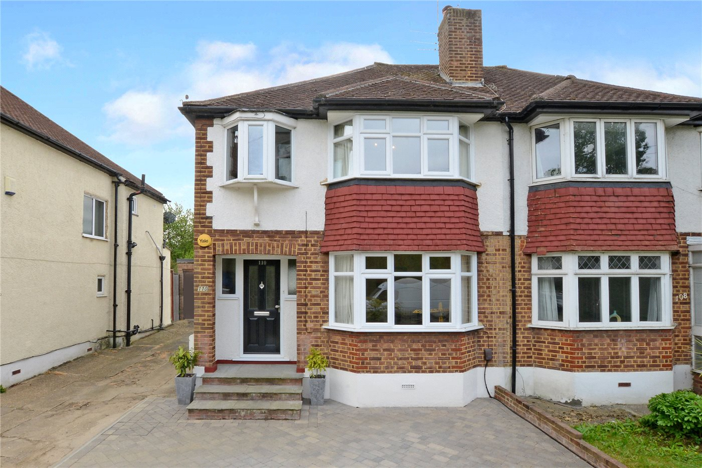 3 Bedrooms Semi Detached House for sale in Worcester Park Road, Worcester Park, Surrey, KT4
